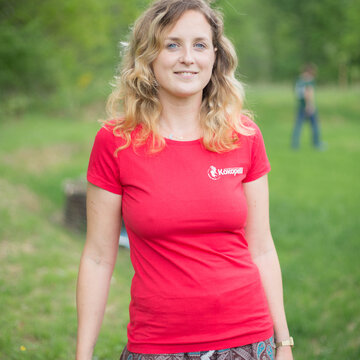 Vêtements - T-Shirt femme rouge, taille M